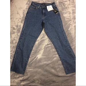Pants - Straight Leg Frayed Hem Jeans